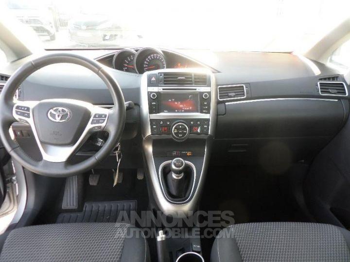 Toyota VERSO 112 D-4D FAP Feel 5 places GRIS ALU Occasion - 5