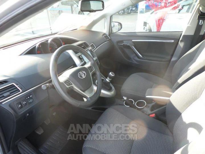 Toyota VERSO 112 D-4D FAP Feel 5 places GRIS ALU Occasion - 6
