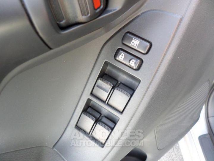 Toyota VERSO 112 D-4D FAP Feel 5 places GRIS ALU Occasion - 10