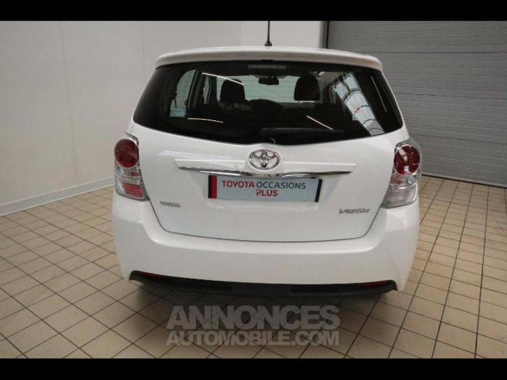 Toyota VERSO 112 D-4D FAP Feel 5 places Blanc Occasion - 6