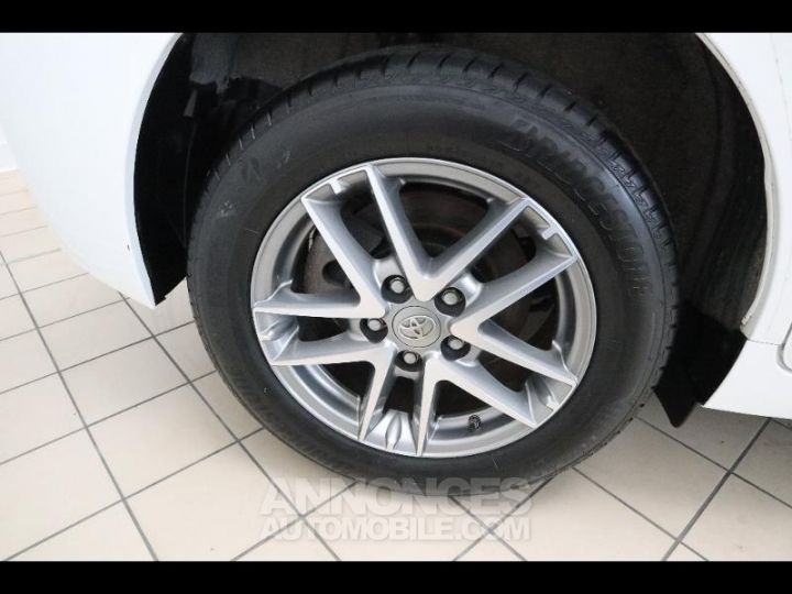 Toyota VERSO 112 D-4D FAP Feel 5 places Blanc Occasion - 11