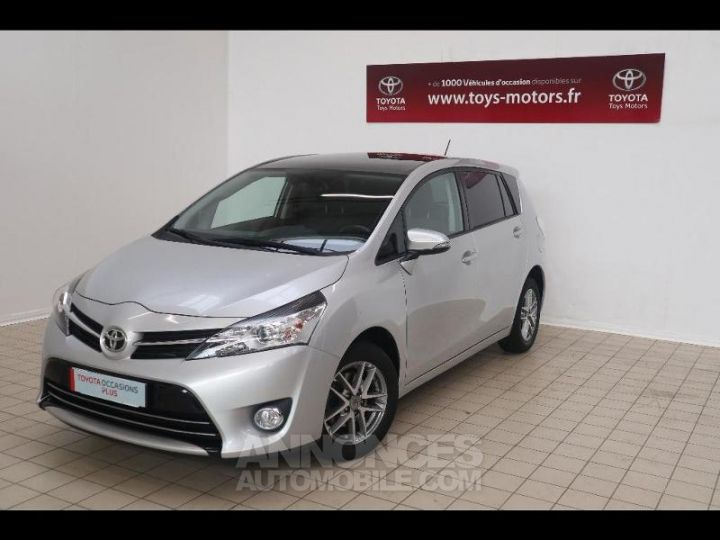 Toyota VERSO 112 D-4D FAP Feel SkyView 5 places Gris Occasion - 1
