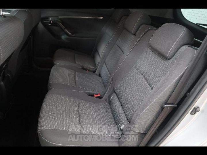 Toyota VERSO 112 D-4D FAP Feel SkyView 5 places Gris Occasion - 9
