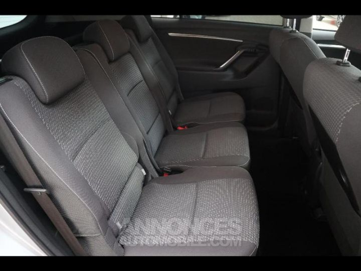 Toyota VERSO 112 D-4D FAP Feel SkyView 5 places Gris Occasion - 10