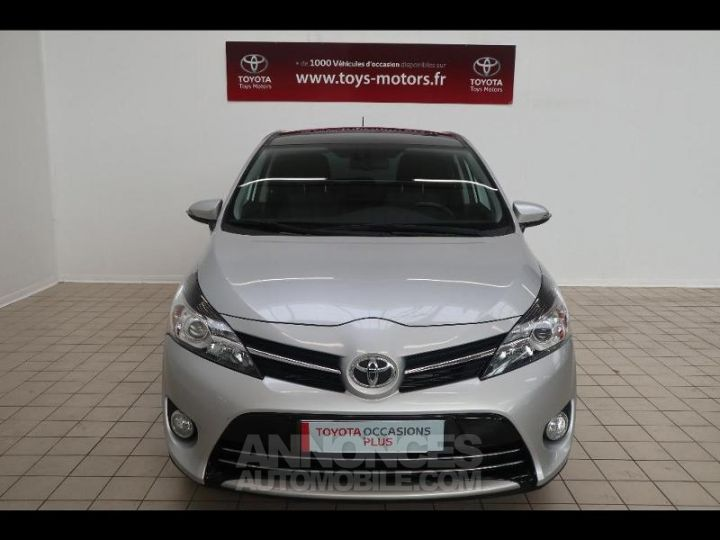 Toyota VERSO 112 D-4D FAP Feel SkyView 5 places Gris Occasion - 13