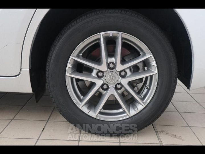 Toyota VERSO 112 D-4D FAP Feel SkyView 5 places Gris Occasion - 15