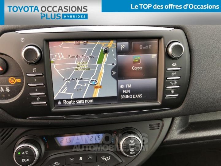 Toyota YARIS 100h Collection 5p BI TON GRIS MANHATTAN   NOIR Occasion - 7