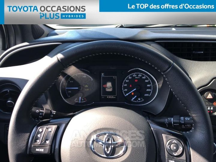 Toyota YARIS 100h Collection 5p BLANC Occasion - 8