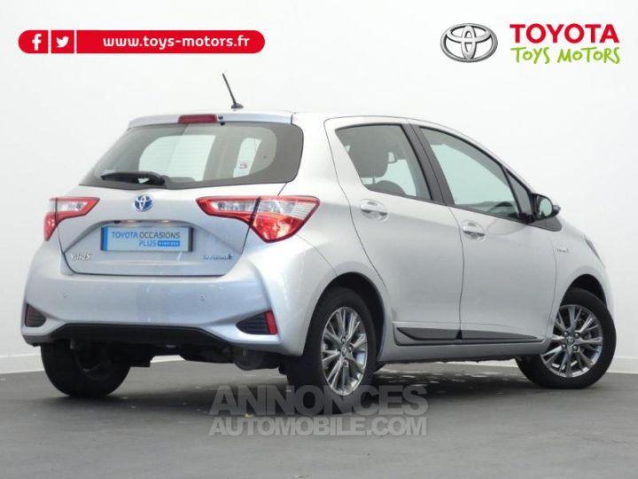 Toyota YARIS 100h Dynamic 5p GRIS ALUMINIUM Occasion - 3