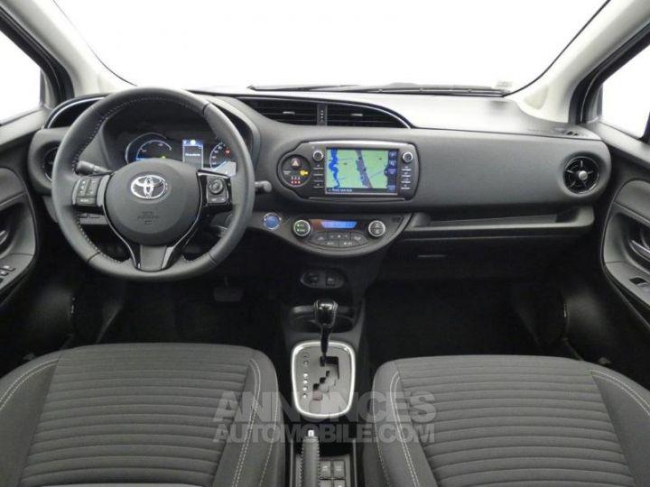 Toyota YARIS 100h Dynamic 5p GRIS ALUMINIUM Occasion - 4