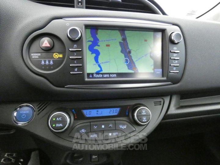 Toyota YARIS 100h Dynamic 5p GRIS ALUMINIUM Occasion - 6