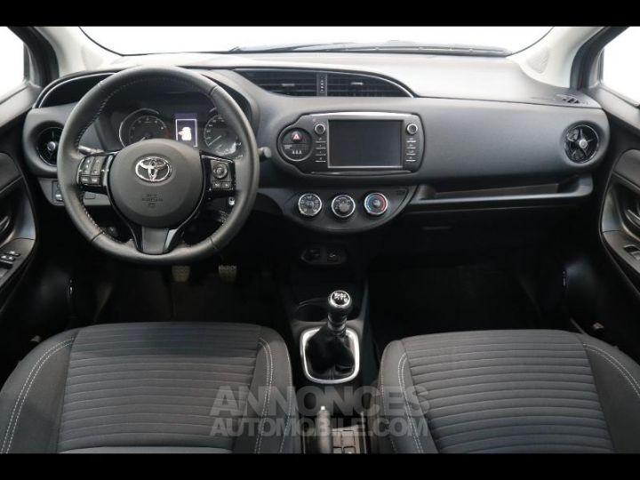 Toyota YARIS 110 VVT-i Design 5p biton rouge/noir Occasion - 3