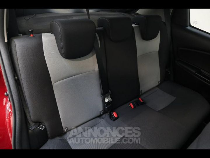 Toyota YARIS 110 VVT-i Design 5p biton rouge/noir Occasion - 4