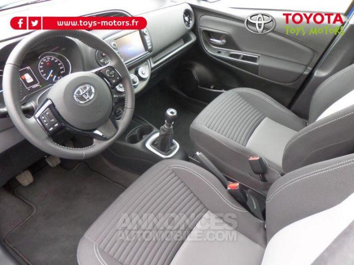 Toyota YARIS 110 VVT-i Design 5p RC18 BI TON BLEU NEBULA   NOIR Occasion - 9