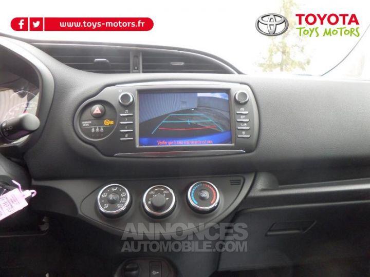 Toyota YARIS 110 VVT-i Design 5p RC18 BI TON BLEU NEBULA   NOIR Occasion - 14