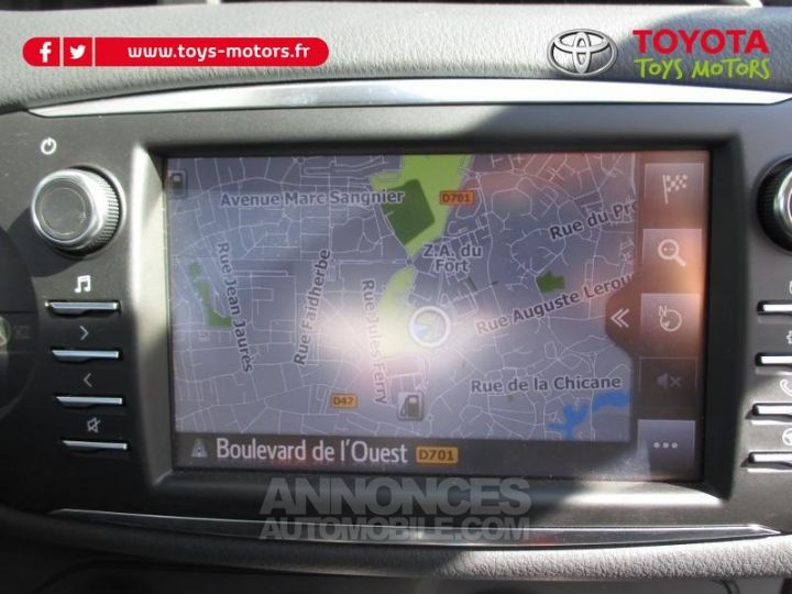 Toyota YARIS 69 VVT-i Dynamic Business 5p BLANCHE Occasion - 8
