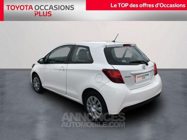 Toyota YARIS 69 VVT-i France 3p BLANC PUR Occasion - 2