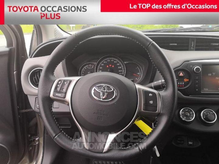 Toyota YARIS 69 VVT-i France 3p Gris Clair Métallisé Occasion - 6