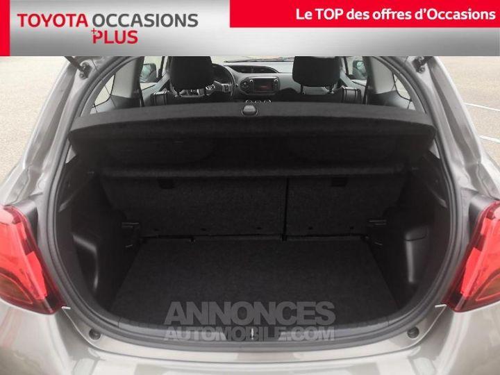 Toyota YARIS 69 VVT-i France 3p Gris Clair Métallisé Occasion - 15