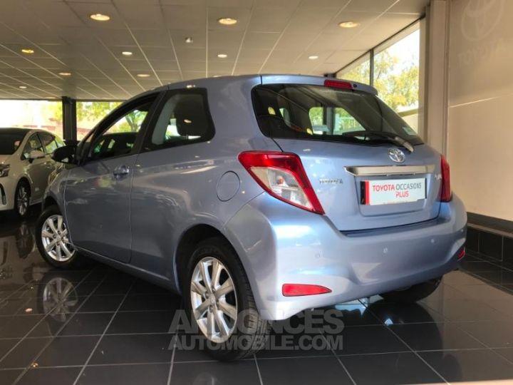 Toyota YARIS 69 VVT-i Tendance 3p Bleu Clair Occasion - 2