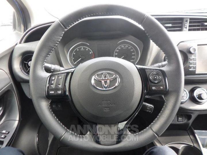 Toyota YARIS 70 VVT-i Design 5p RC18 BI TON BLEU Occasion - 11