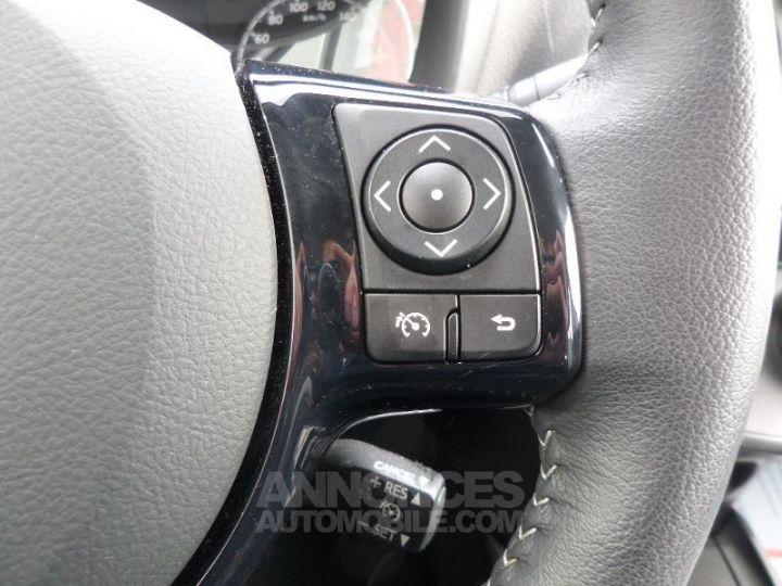 Toyota YARIS 70 VVT-i Dynamic 5p RC18 BLANC Occasion - 10