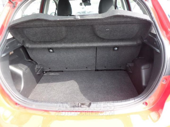 Toyota YARIS 70 VVT-i Dynamic 5p RC18 ROUGE CHILIEN Occasion - 8