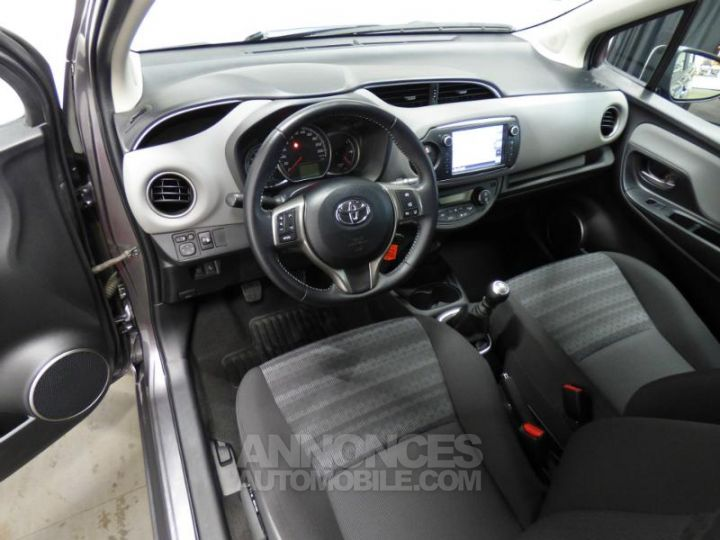 Toyota YARIS 90 D-4D Business 5p GRIS ATLAS Occasion - 20