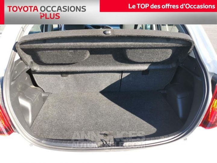 Toyota YARIS 90 D-4D France 5p BLANC PUR Occasion - 15