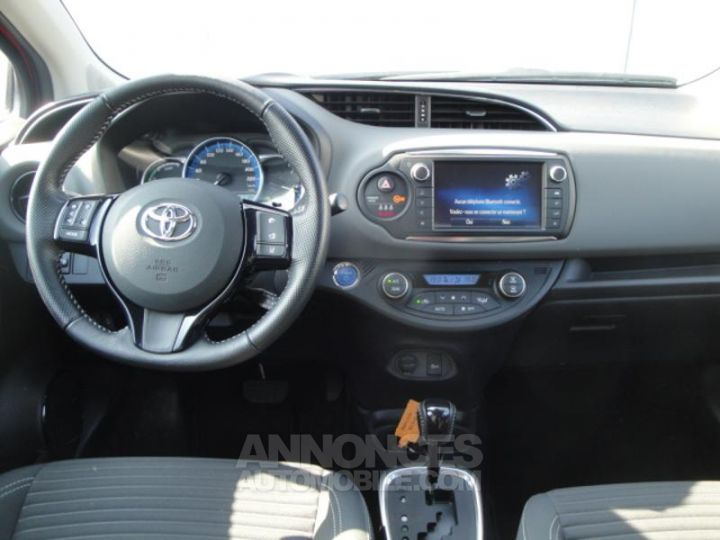 Toyota YARIS HSD 100h Design 5p ROUGE Occasion - 13