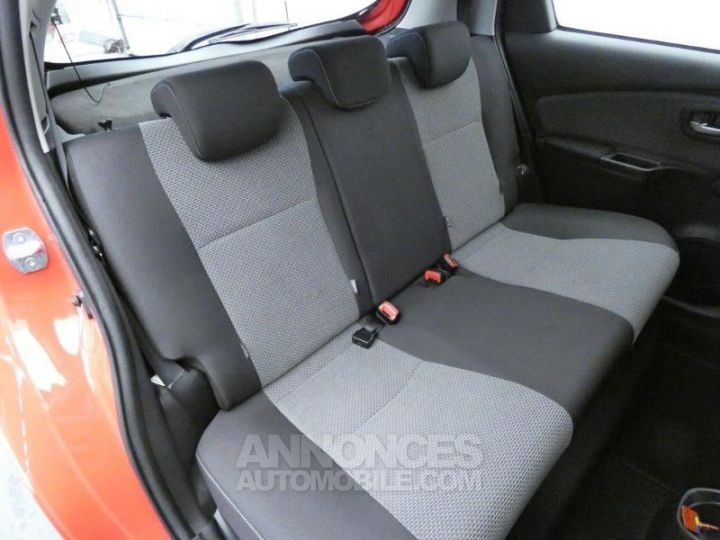Toyota YARIS HSD 100h Dynamic 5p Rouge chillien Occasion - 5