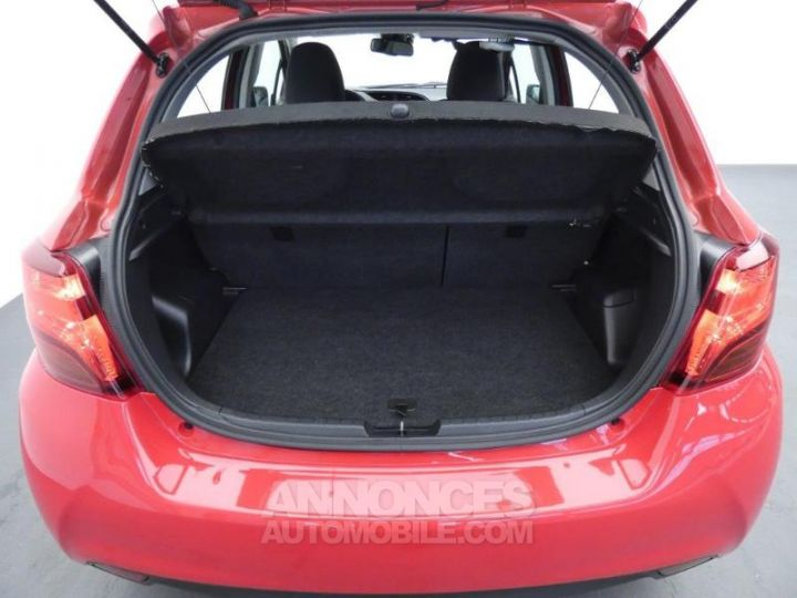 Toyota YARIS HSD 100h Dynamic 5p Rouge chillien Occasion - 6