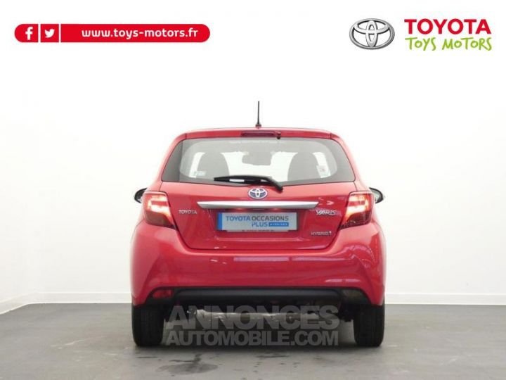 Toyota YARIS HSD 100h Dynamic 5p Rouge chillien Occasion - 12