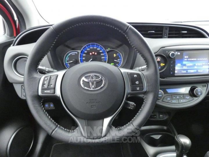 Toyota YARIS HSD 100h Dynamic 5p Rouge chillien Occasion - 15