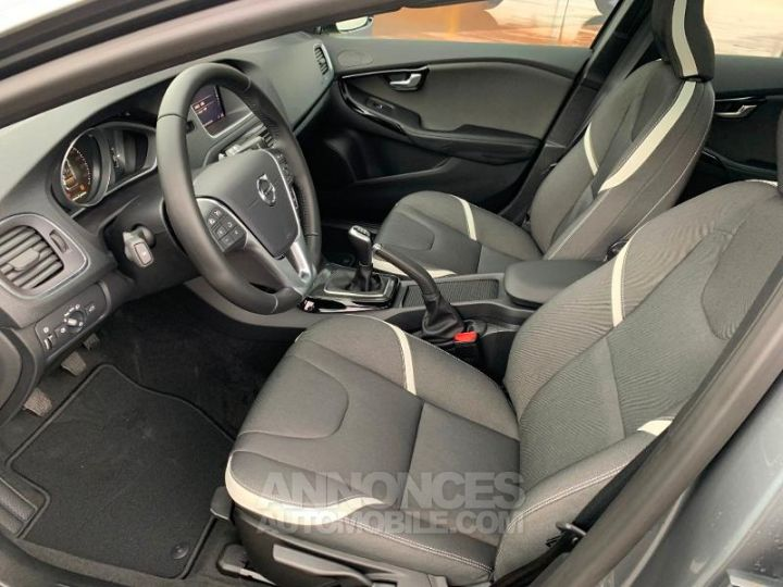 Volvo V40 D2 AdBlue 120ch Edition GRIS Occasion - 3