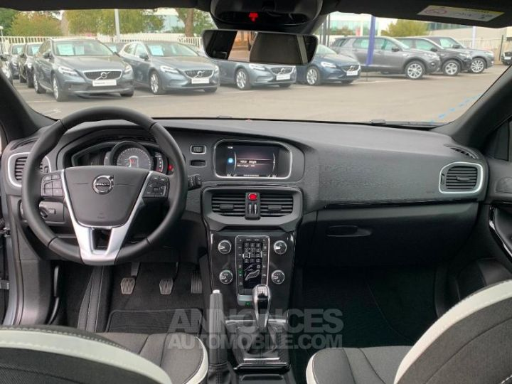 Volvo V40 D2 AdBlue 120ch Edition GRIS Occasion - 9