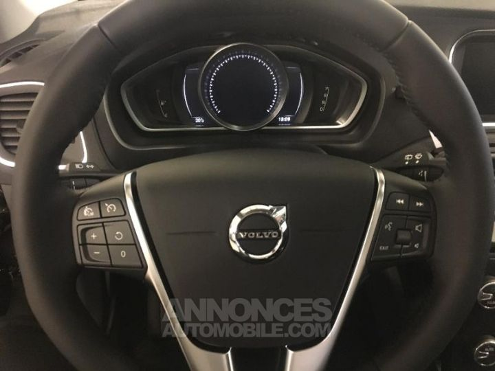 Volvo V40 T2 122ch Edition Geartronic Noir Métal Occasion - 8