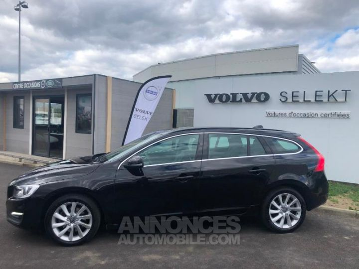Volvo V60 D3 150ch Momentum Business Geartronic NOIR Occasion - 6