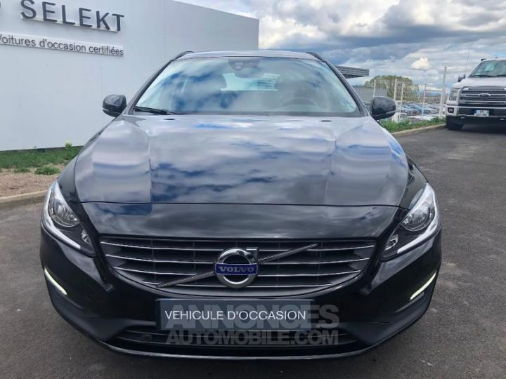 Volvo V60 D3 150ch Momentum Business Geartronic NOIR Occasion - 8