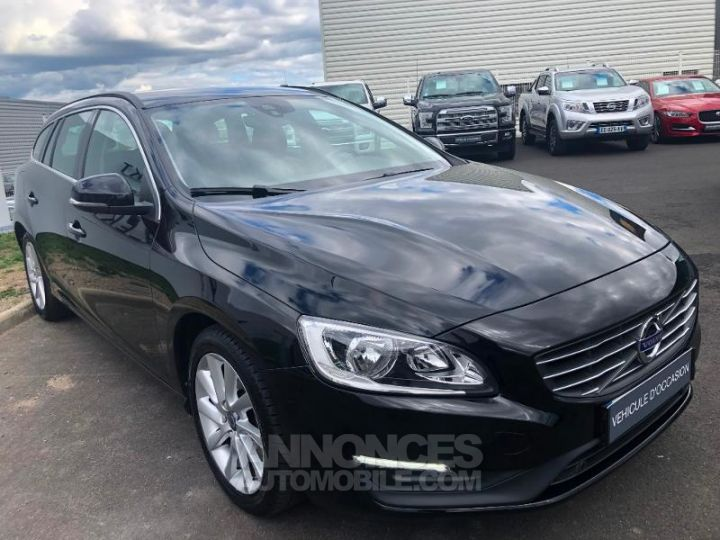 Volvo V60 D3 150ch Momentum Business Geartronic NOIR Occasion - 9