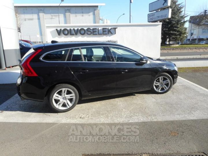 Volvo V60 T4 190ch Summum Geartronic NOIR Occasion - 4