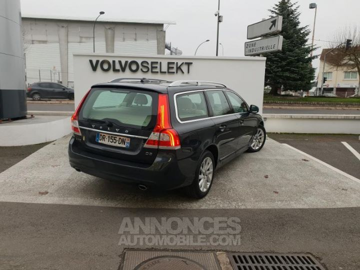 Volvo V70 D5 215ch Summum Geartronic Gris Savile Perle 492 sa Occasion - 4