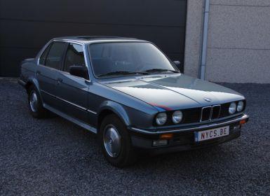 BMW Série 3 E30 325ix berline