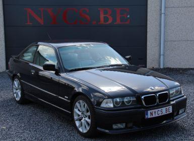 BMW Série 3 E36 323i