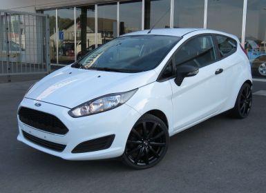 Ford Fiesta 1.25i Trend Black Alu wheels - Airco - Parkeerhulp Occasion