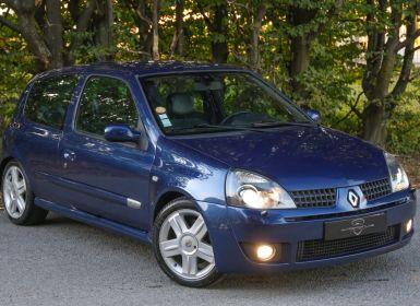 Renault Clio 2.0i 16V Sport