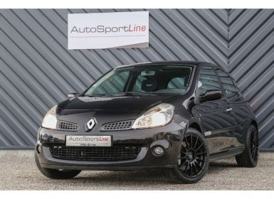 Voiture Renault CLIO 3 RS 16V 200 cv LUXE Occasion