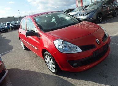 Voiture Renault CLIO III 1.5 DCI 65 CV COMMUTHY 5P Occasion