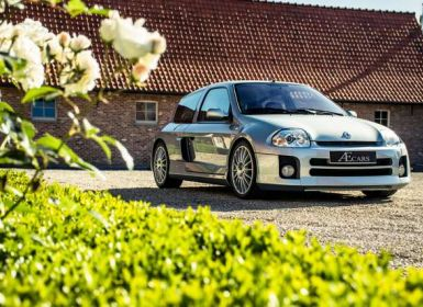 Renault Clio V6 - ONLY 13.791 KM - COLLECTORS ITEM