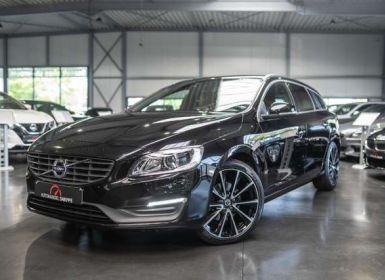 Vente Volvo V60 Cross Country 2.0 D3 Momentum - Leder - Gps - Zwarte hemel. Enz... Occasion